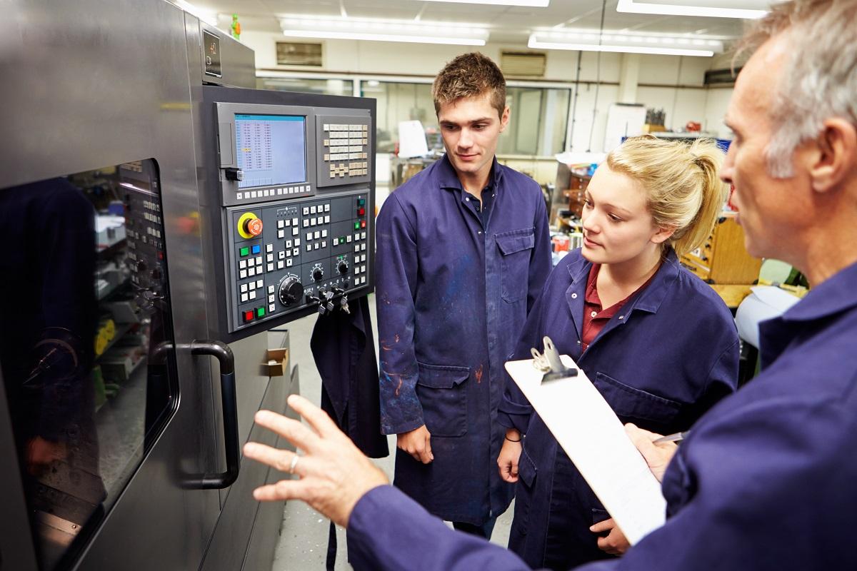 Electrician-Apprenticeship-Canada-Permanent-Residency