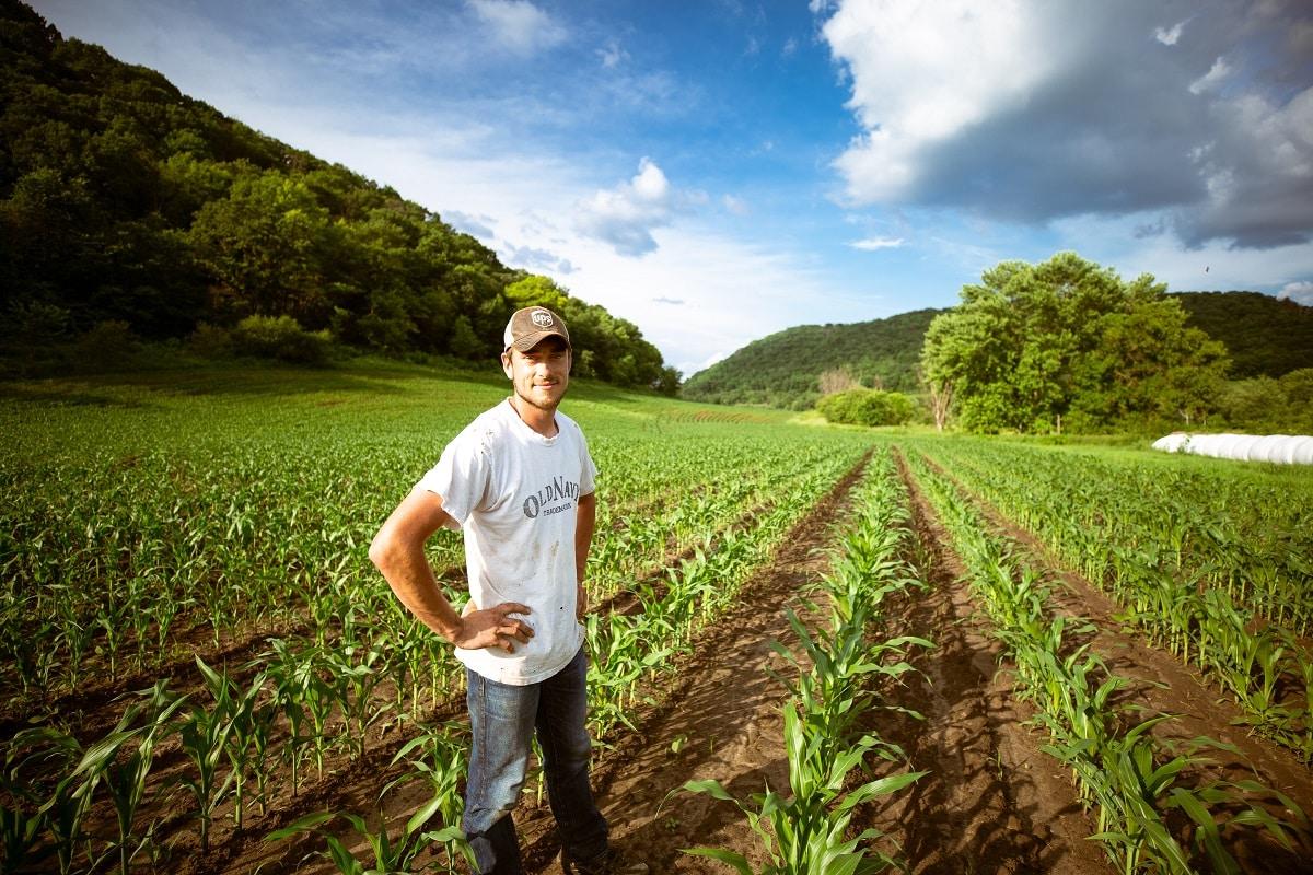 Immigrate-to-Canada-Farmer-Jobs-In-Canada