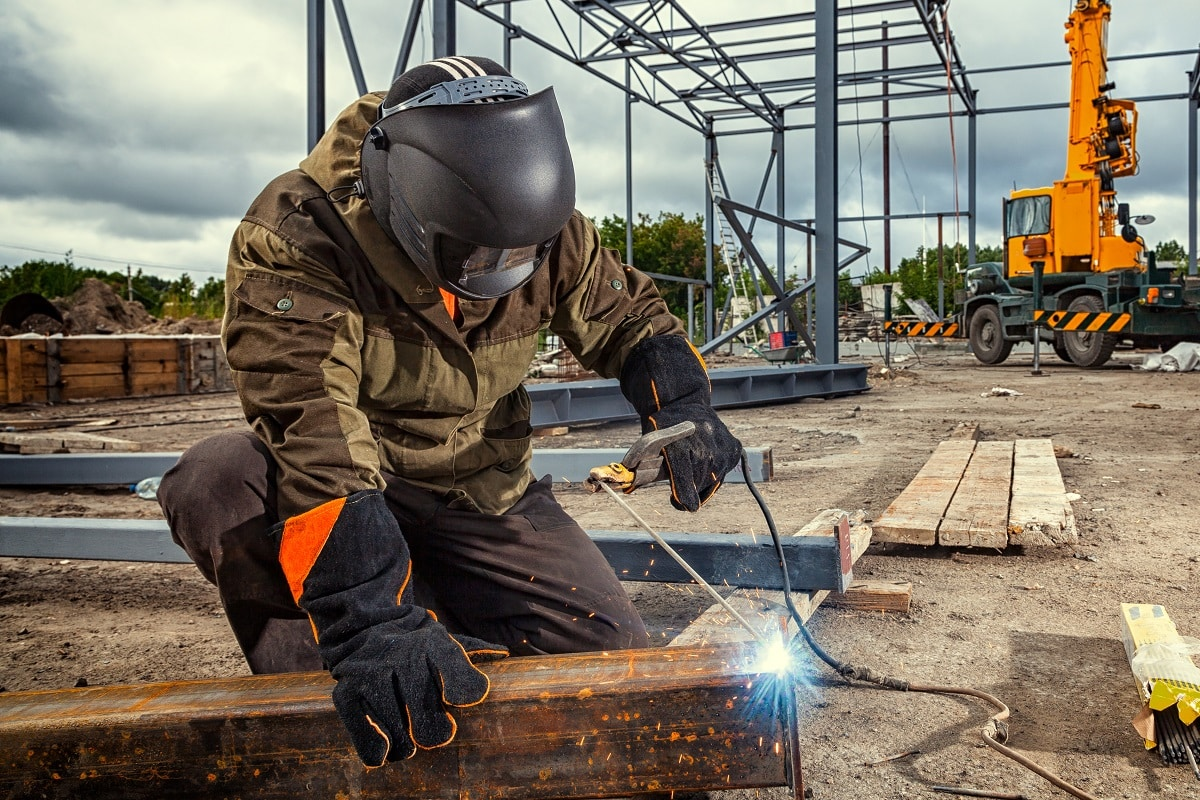 In-Demand-Jobs-in-Canada-Ontario-Welder