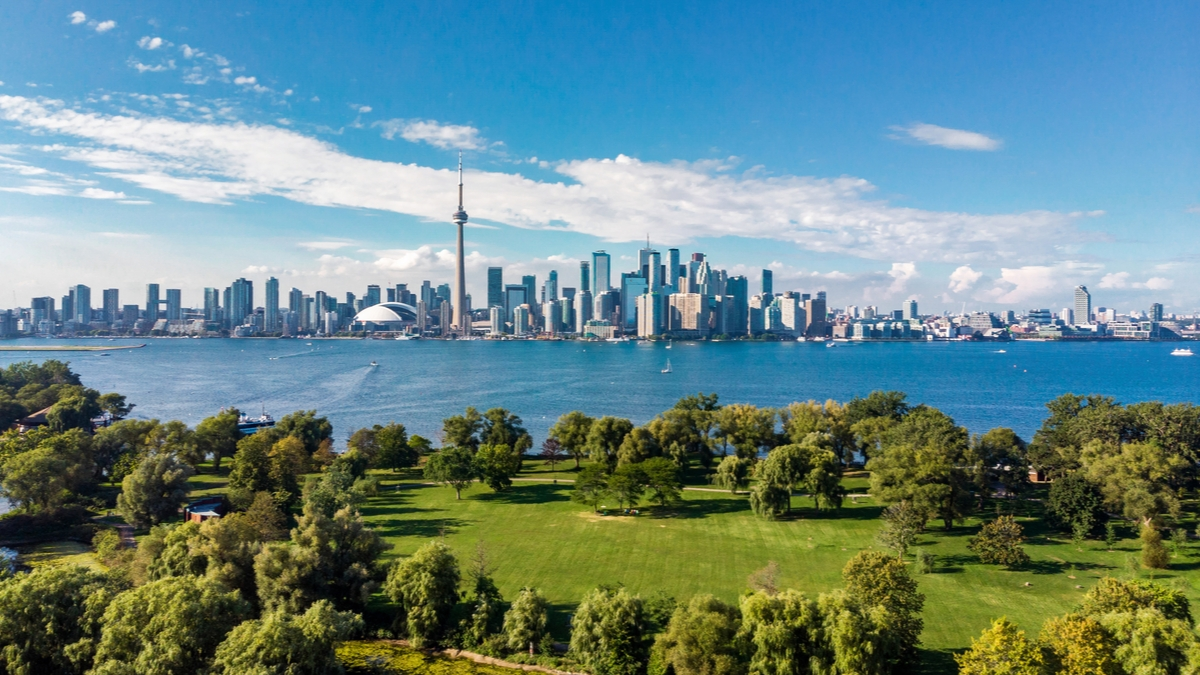 Ontario-Skyline-Best-Provinces-to-Immigrate-to-in-Canada