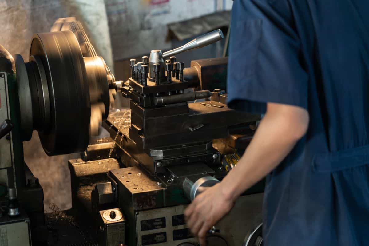 How to Move to Canada as a Machinist in 2020